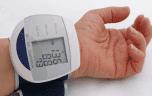 Le bon achat de Noël, bon marché et pour sauver des vies: un appareil automatique pour mesurer sa tension artérielle