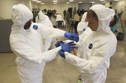 Ebola : vers une pénurie de combinaisons