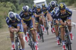 Tour de France : les médecins dénoncent la course au dopage