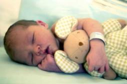 Séjours en maternité raccourcis : les médecins posent des conditions
