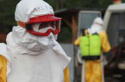 Ebola : François Hollande en Guinée pour apporter le soutien de la France