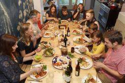 Un repas en famille par jour réduit le risque d'obésité