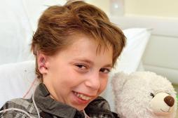 Un garçon de 9 ans greffé de 2 oreilles créées à partir de ses côtes