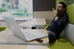 Télétravail et flexibilité améliorent le sommeil des employés