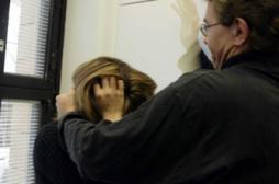 Violences conjugales : tout faire pour aider les femmes à porter plainte