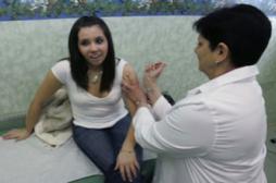 Vaccinations : Marisol Touraine veut associer les pharmaciens au suivi