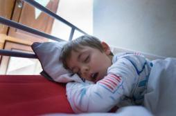 Obésité infantile : l'apnée du sommeil double le risque