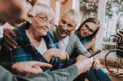Comment aider un proche atteint de la maladie d'Alzheimer