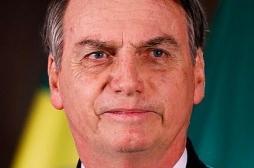 Jair Bolsonaro hospitalisé pour un hoquet : à partir de quand devient-il grave ?