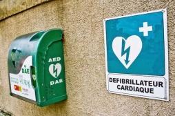 Clubs de sport : les défibrillateurs cardiaques sauvent des vies