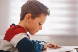 Enfants dyslexiques : une sensibilité émotionnelle à double tranchant