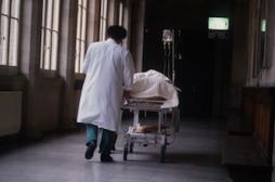 Les hôpitaux épinglés sur la chirurgie ambulatoire