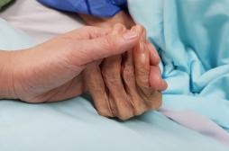 Légalisation de l'euthanasie au Portugal : où en est-on en France sur la fin de vie ?