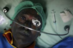 Cataracte : des Français ont conçu un kit chirurgical pour 25 euros