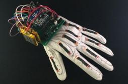 Innovation : un gant traduit le langage des signes