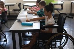 Sclérose en plaques : 100 000 personnes touchées en France, dont 700 enfants