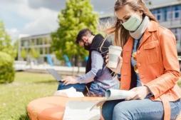 Et si le masque et les gestes barrière étaient suffisants pour que les étudiants retrouvent sans risque les bancs des facs ?