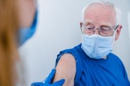 Vaccins contre la Covid-19 : pour qui, quand, comment et avec quoi ?
