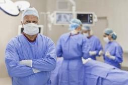 Mortalité : les chirurgiens opèrent mieux avec l'âge