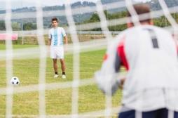 Tirs aux buts : pour marquer un penalty, mieux vaut avoir les idées courtes !