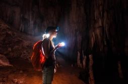 Confinés 40 jours dans une grotte sans lumière et sans horloge  : les participants sortent demain