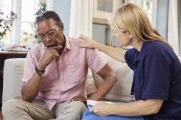 Maladie d'Alzheimer : pourquoi bien dormir la nuit réduirait les risques ?