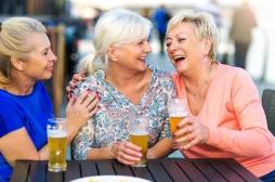 De plus en plus de seniors pratiquent le binge drinking