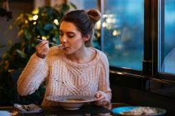Les repas tard le soir sont mauvais pour la santé cardiovasculaire des femmes