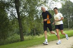 Seniors : l'exercice réduit de 50 % la mortalité cardiovasculaire