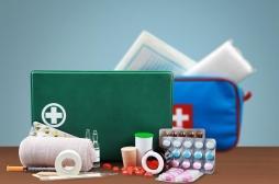 Vacances : ce qu'il ne faut pas oublier dans sa trousse à pharmacie
