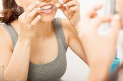 Dentition : attention, les bandes blanchissantes abîmeraient sérieusement les dents