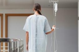 Marseille : les patients marchent juste après de lourdes opérations