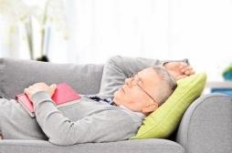 Maladie d'Alzheimer : les siestes trop longues accentuent le risque chez les personnes âgées