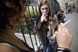 Tabac : plaintes contre des lycées qui aménagent des zones fumeurs