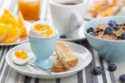 Les petits déjeuners riches en protéines rendent plus tolérant