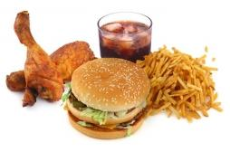 Malbouffe, taurine et boissons énergisantes sont à haut risque pour les adolescents
