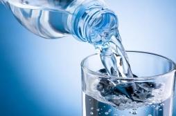 Obésité : remplacer un verre de bière par un verre d'eau réduit le risque