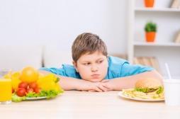 Les enfants uniques sont plus sujets à l'obésité que ceux qui ont des frères et sœurs