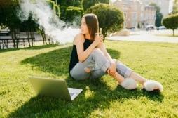 Cigarette électronique : pourquoi les jeunes sont-ils si attirés?
