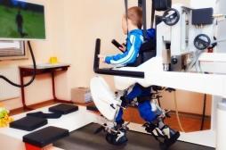 Exosquelette : les paraplégiques français vont pouvoir remarcher
