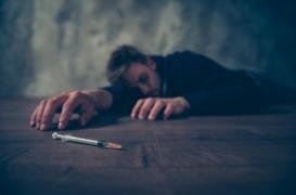 Etats-Unis : les drogues, l'alcool et les suicides plombent l'espérance de vie