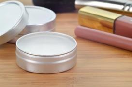 Des substances toxiques dans les baumes à lèvres