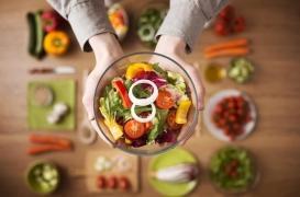 Que choisir entre un régime pauvre en graisses ou pauvre en sucre ?