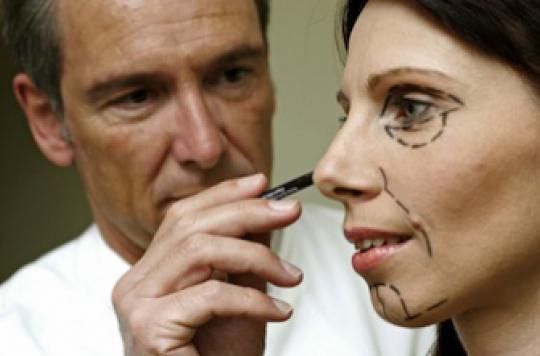 Chirurgie esthétique : 40 % des Français l'envisagent
