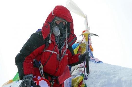 Cancer : un patient en phase terminale gravit l'Everest