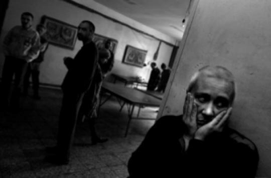 Schizophrénie : pourquoi les malades entendent des voix