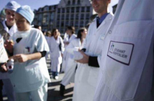 Fresque d'un viol : l'Ordre des médecins condamne fermement