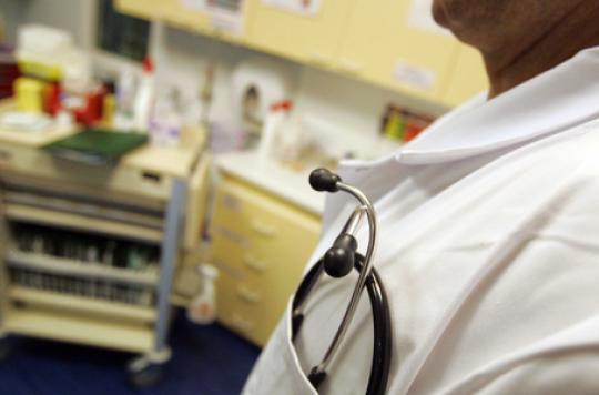 Hôpital:  5 000 médecins pratiquent des dépassements d'honoraires