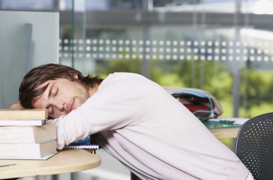 Fatigue chronique : 1 adolescent sur 50 serait concerné