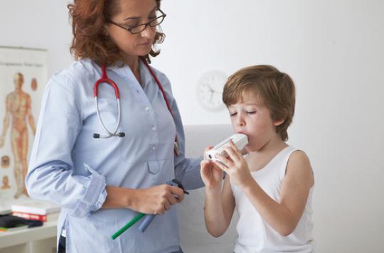 Asthme : les bactéries pulmonaires joueraient un rôle clé